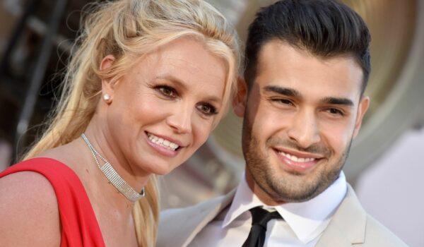 Бритни Спирс объявила о помолвке